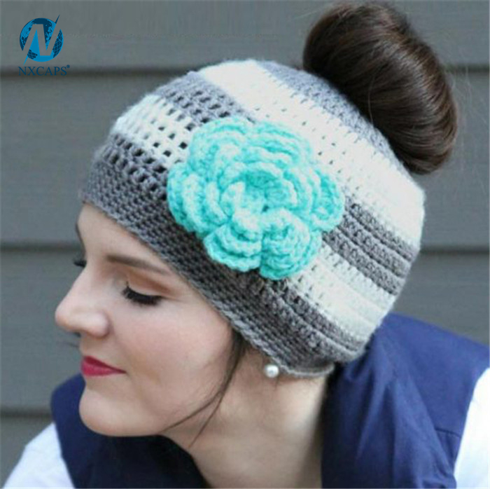 3D flower Crochet Ponytail Hats Tail Soft Stretch Cable knit bun ponytail 100  acrylic sports crochet Ponytail Hats Tail Soft Stretch Cable Knit caps