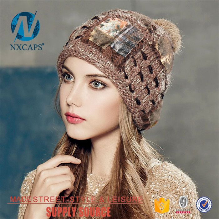 Slouchy beanie hat with fur pom poms detachable Wholesale custom knit cap custom fashion distressed label with stitching top ball tam baby hat