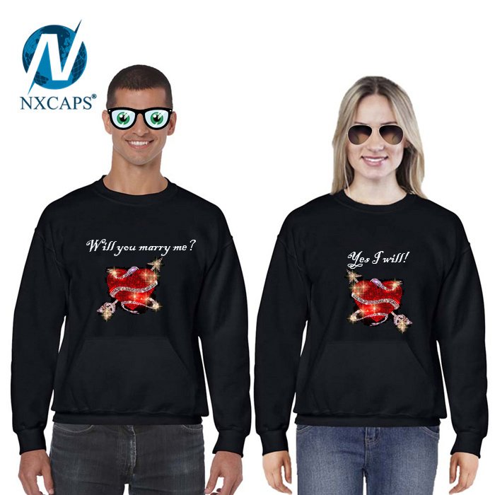 Cartoon Love couple t shirt rhinestone bling Thin and breathable made in china show love t shirts.jpg